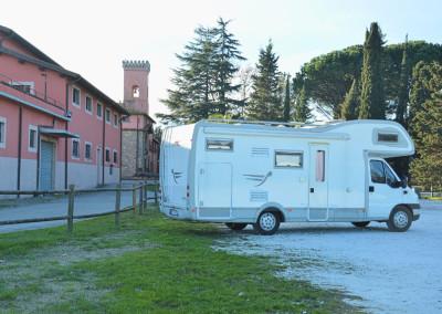 Camper-piazzale-torre