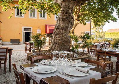 Tavoli-piazza-Pitti&Friends